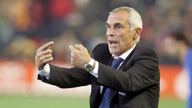 إقالة الارجنتيني هيكتور كوبر من تدريب المنتخب المصري
