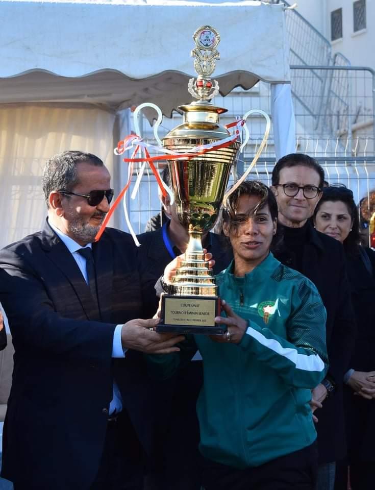 مراسم تتويج دورة اتحاد شمال افريقيا لكرة القدم النسائية